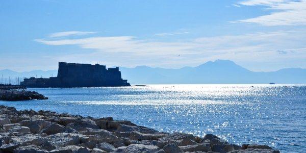 Migliori hotel sul lungomare di Napoli a Via Caracciolo Mergellina sul mare
